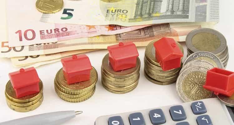 Dinero y casas
