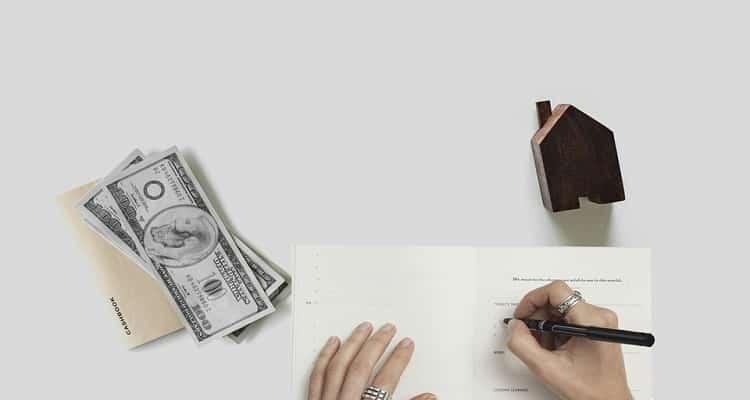 dinero y firma