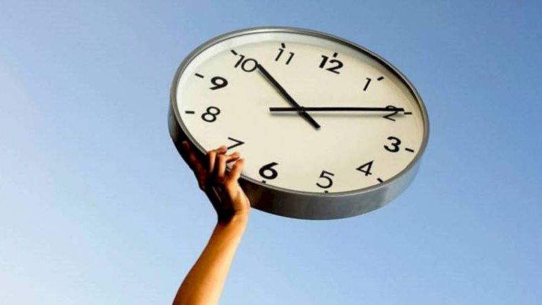 reloj trabajador