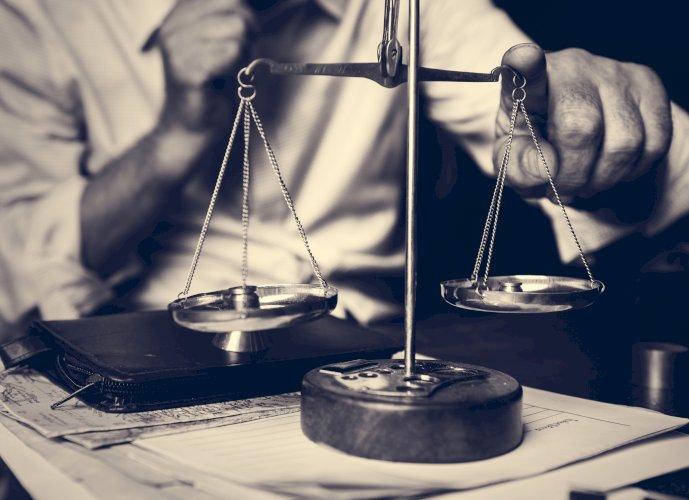 E-book Soluciones extrajudiciales de conflictos laborales. Balanza justicia