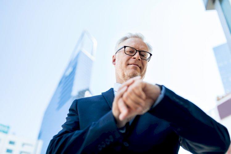 Ebook Relación laboral especial de alta dirección. Hombre de negocios mayor