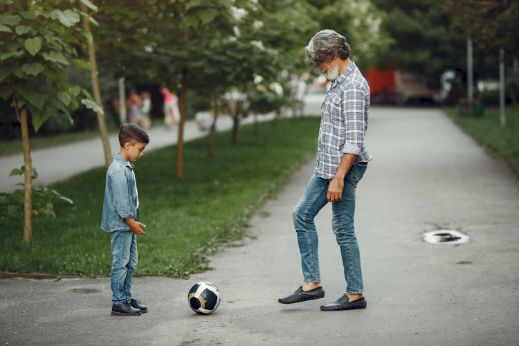 abuelo con nieto