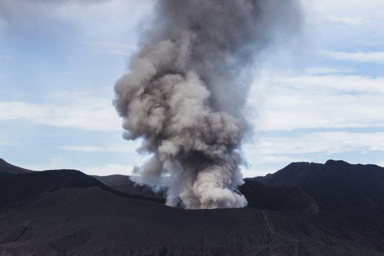 volcan humo sin lava