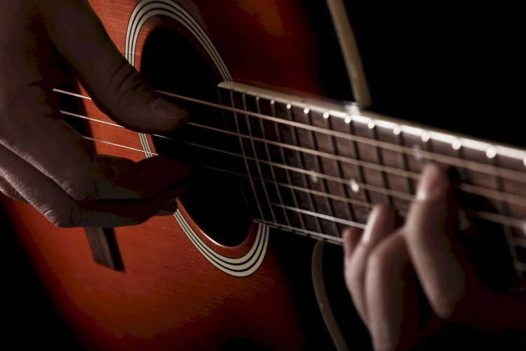musico con guitarra